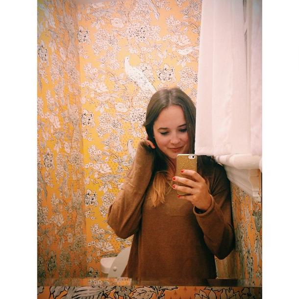 Yellow bird wallpaper