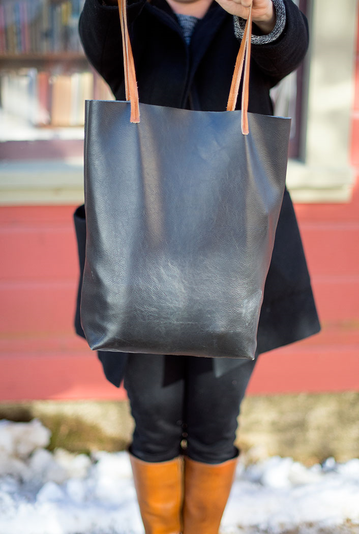 Sew your own Madewell-inspired leather tote bag! (Free tutorial)