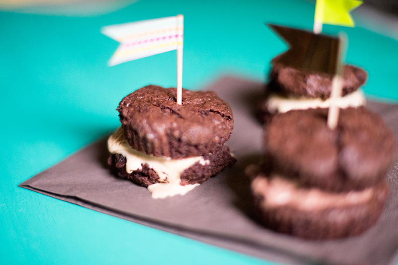 Make ice cream sandwiches that look like French macarons!