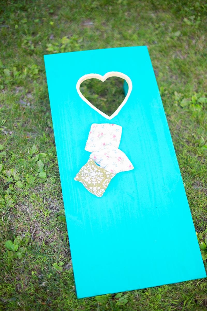 Custom corn hole board