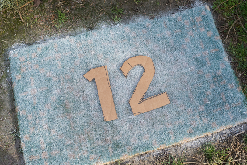 A fresh new DIY look for an old doormat!