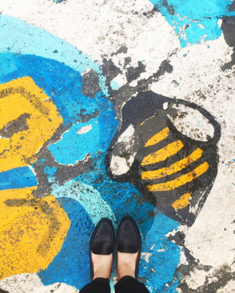 Pavement artwork bumblebee