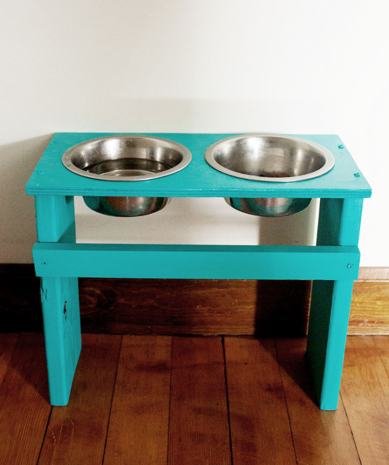 Build your own dog bowl stand!