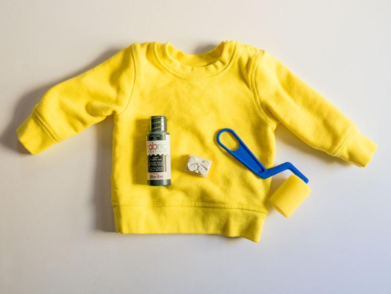 Stamped baby sweatshirt tutorial