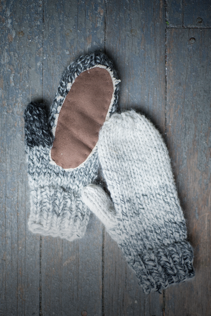 Free pattern for ombre mittens #knitting