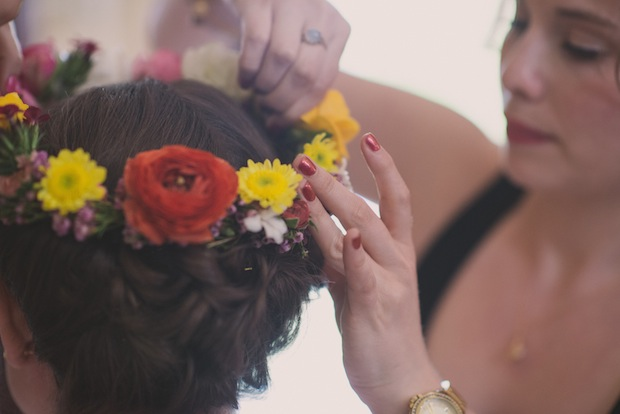 Putting on the flower crown / Love + Perry Photography