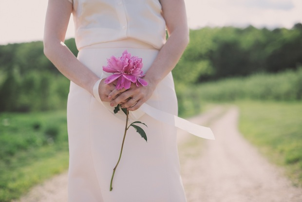 One big peony instead of a bouquet / Love + Perry Photography