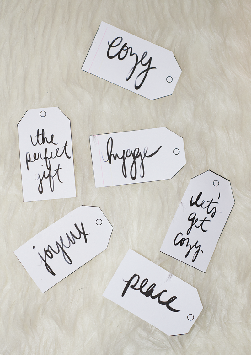 Handwritten holiday gift tags (printable!)