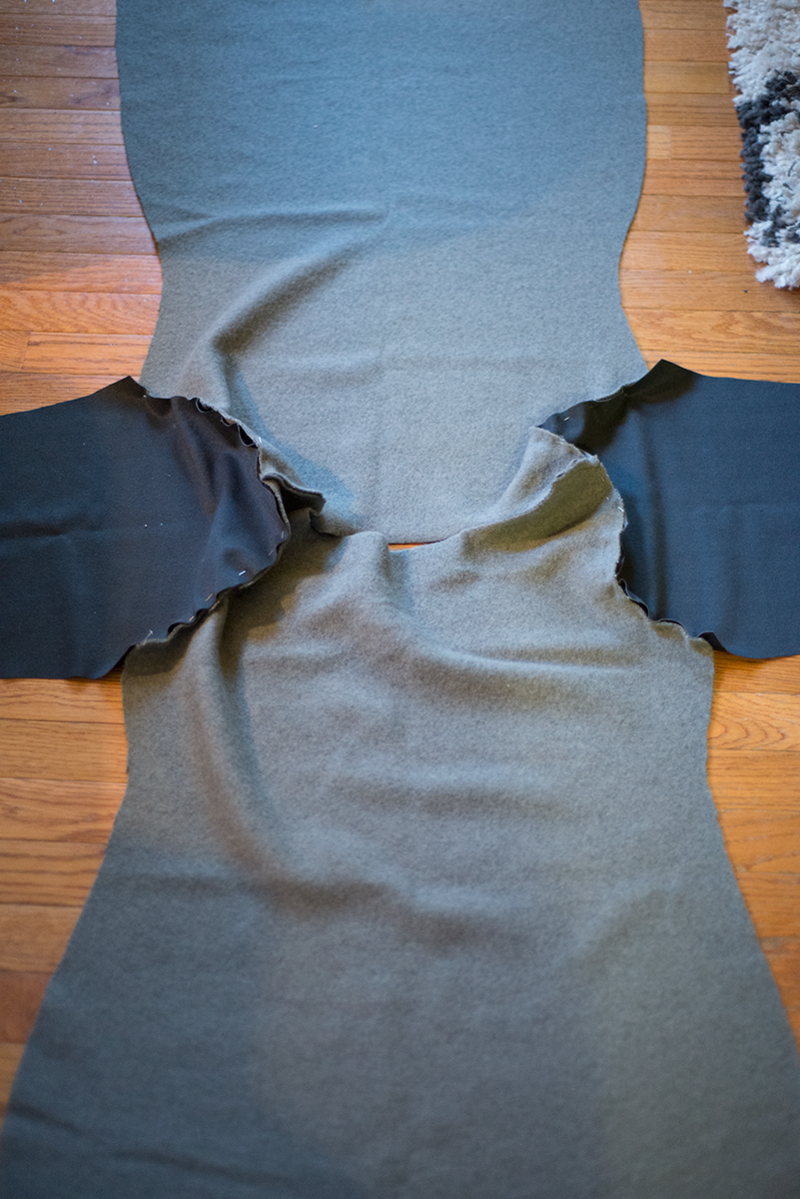 Tutorial: Sweatshirt dress with leather accents