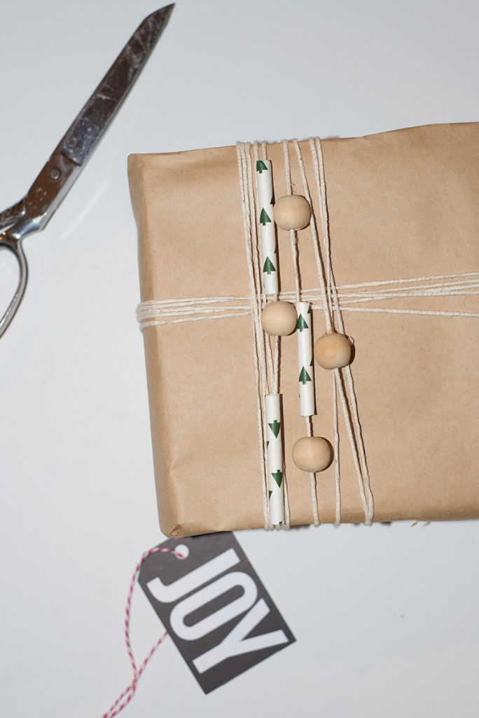 Wooden bead and paper straw wrapping #gapxdarbysmart