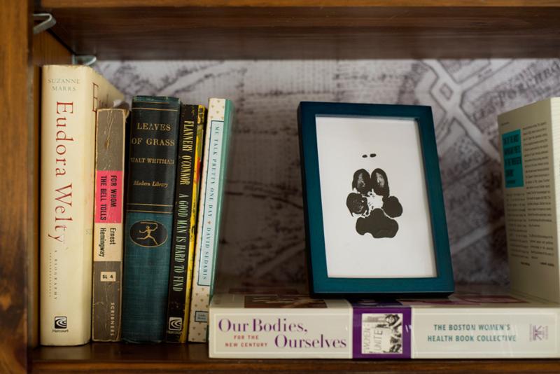 Temporary wallpaper bookshelf