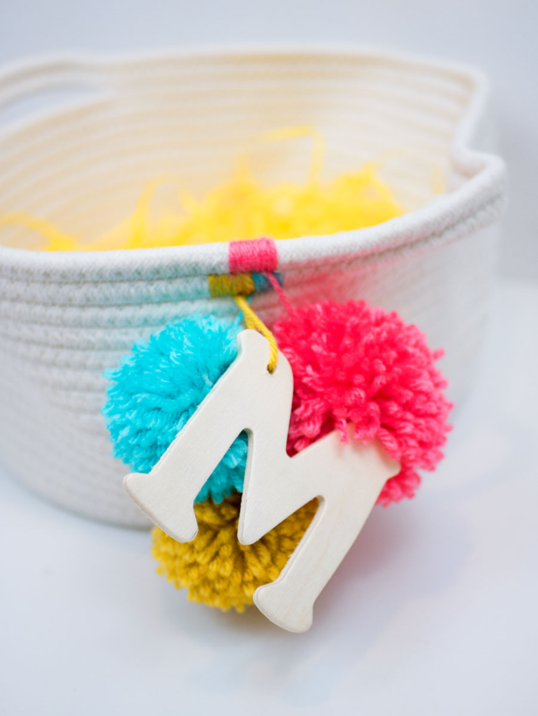 DIY pom-pom Easter basket