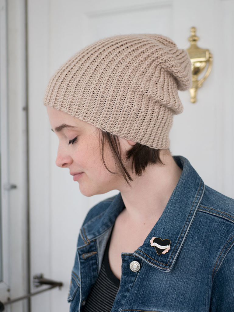 How to knit a slouchy beanie (without using circular needles)