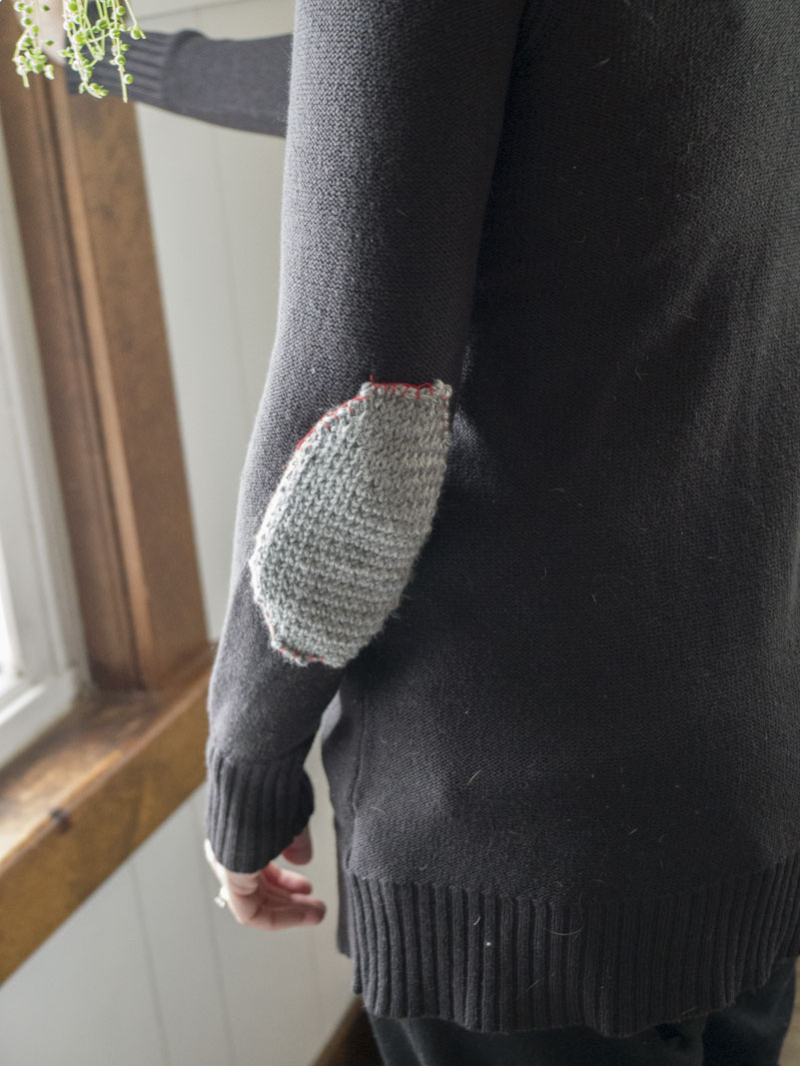 How to knit elbow patches (free pattern)